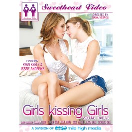 girls_kissing_girls_12_front